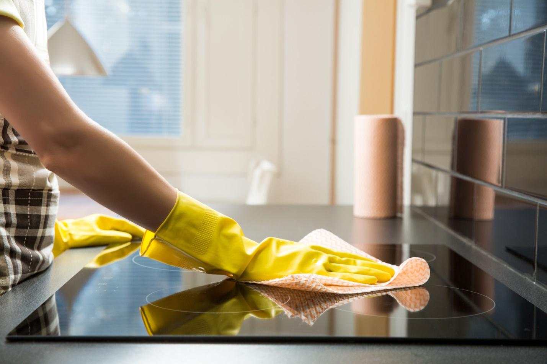 Vệ sinh căn hộ giá rẻ TPHCM – dịch vụ cần cho mọi nhà - 1